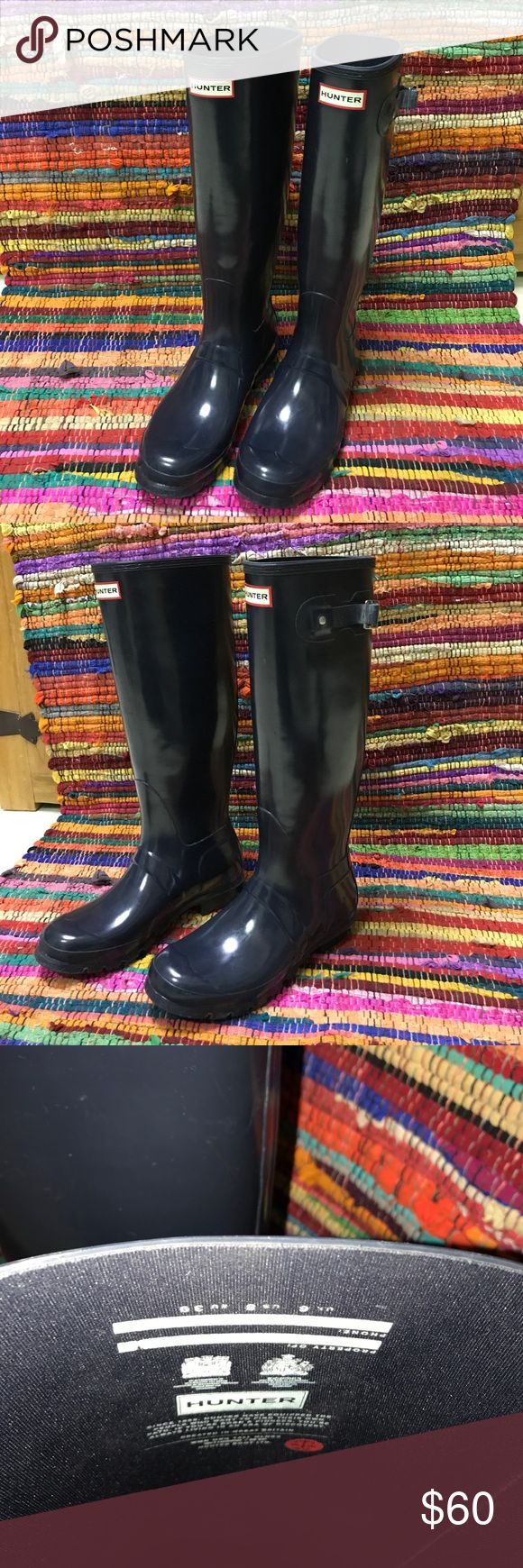 Hunter Wellies Size 8 Hunter brand Wellington boots in Shiny Navy. Moderate visible wear. Hunter Boots Shoes Winter & Rain Boots