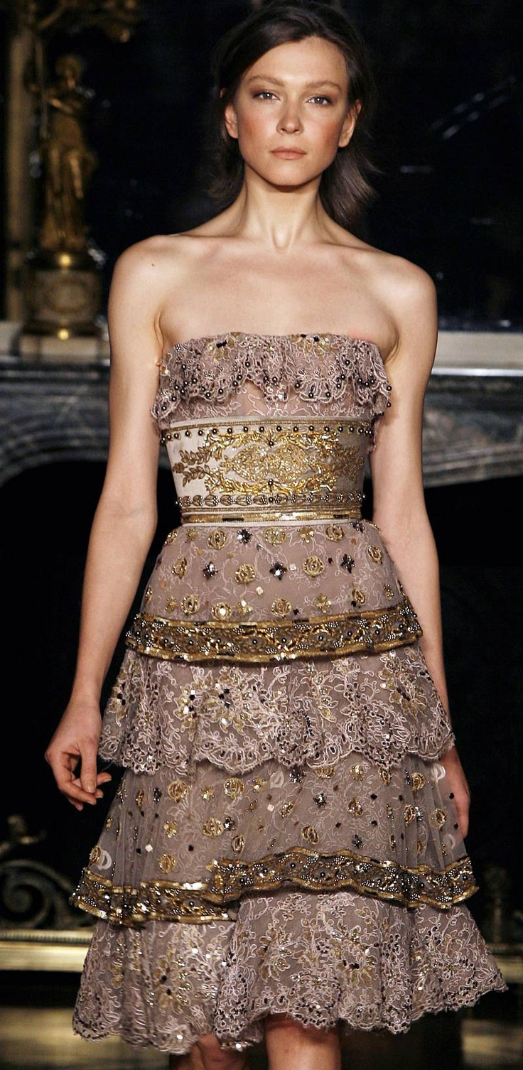 275 best women 39 s fashion show images on pinterest high for Buy haute couture