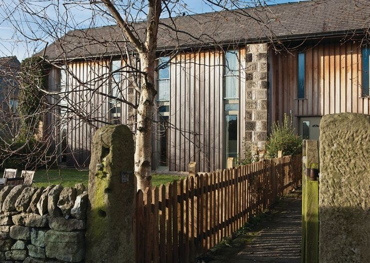 The Dutch Barn is near Bakewell in Derbyshire & the Peak District. Stunning self catering barn conversion to sleep up to 7. Private hot tub & pet friendly accommodation.