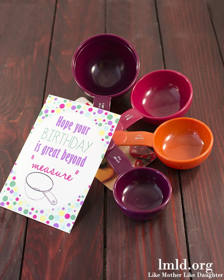 A cute birthday gift idea for less than 5 dollars with a free printable too! And links to over 100 other great ideas all less than 5$! #lmldfood