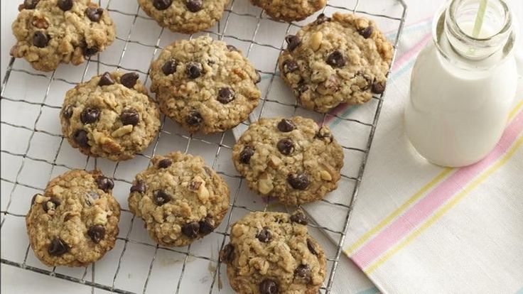 Fill your cookie jar with a classic drop cookie that's doubly satisfying.   Chocolate lovers will love the chips, and whole-grain seekers will appreciate the natural oats.