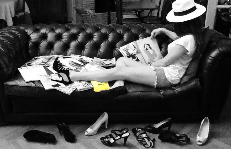 Ballerine de secours de rechange pliable enroulable à emporter avec soi lorsqu'on porte des chaussures à talons et qu'on a mal aux pieds. www.shoette.com
