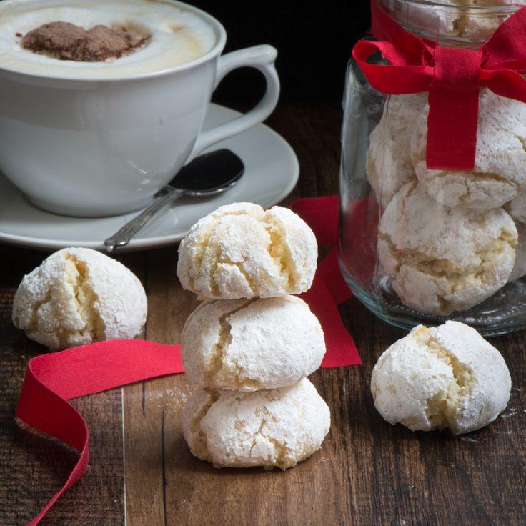 amaretti biscuits cookies squarea almond cookies free cookies desserts ...