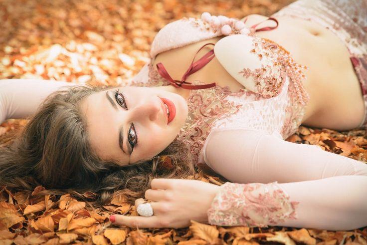 Danza del vientre: Paula Palomares #belly #dance #dancer #oriental #bailarina #otoño