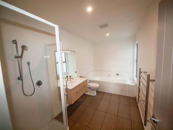 7 Halewood Grove Churton Park NZ 6037 | Guardian First National Limited