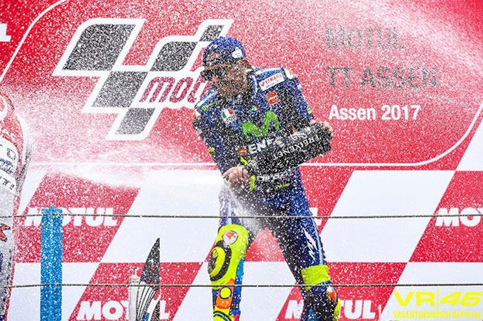 Moto GP: italiano Valentino Rossi ganó el Gran Premio de Holanda #Deportes #Ultimas_Noticias
