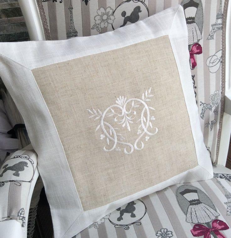 Housse de coussin 40x40 lin beige blanc broderie cœur Shabby Chic : Textiles et tapis par monautrefois