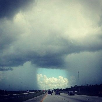Florida motorist photographs unusual weather phenomenon over I-75