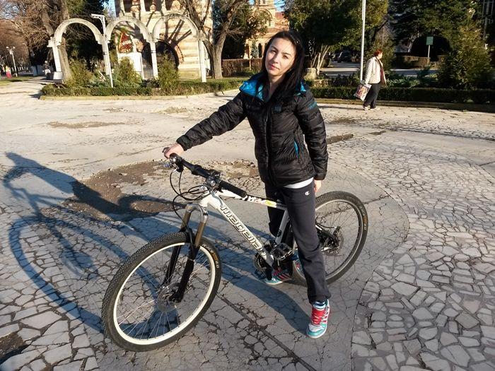 Am trecut în noul an cu gândul că voi pedala mai mult... şi voi iubi cel puţin la fel de mult. Singurele planuri pentru 2015 pot să le număr pe degetele de la o mână. Vreau să învăţ să merg mai bine pe bicicletă şi vreau să mă plimb cu …</p>
