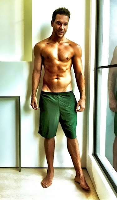 Dane Cook. Holy Sweet mother of jesus. I didn't even know where to pin this lol
