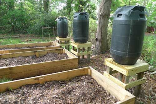Make Your Own Rain Barrel System To Water Your Garden - LivingGreenAndFrugally.com