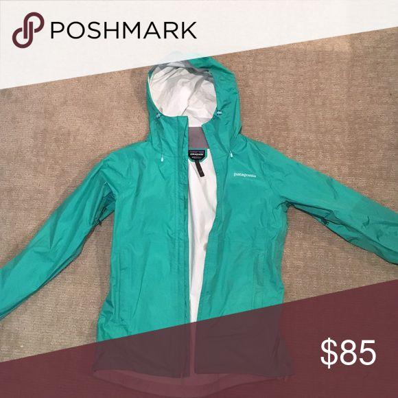Patagonia rain jacket Like new Patagonia Jackets & Coats Utility Jackets