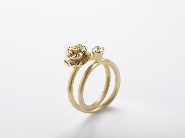 Wedding ring in gold and diamond www.mariebenedicte.com