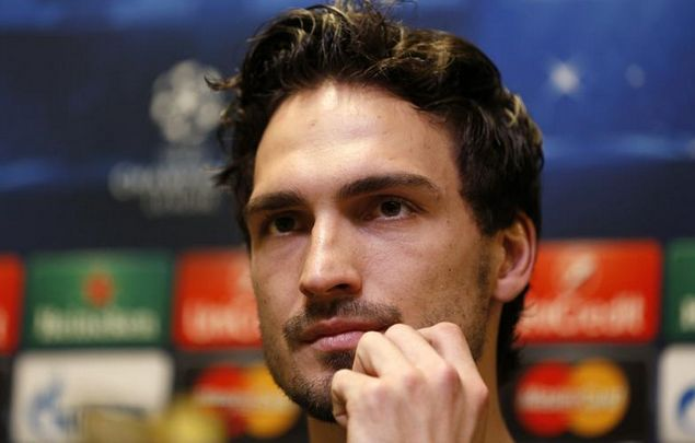 Update: Man Utd can sign Mats Hummels, but they must spend €44m - http://www.squawka.com/news/update-man-utd-can-sign-mats-hummels-but-they-must-spend-e44m/360525#h1RcEturB2KVUFxD.99 #MUFC #VanGaal #ManUtd #Hummels #Transfer
