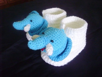 Baby elephant booties only at   www.amydesign.org