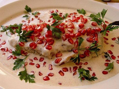 Chiles enogada, Platillo típico de Puebla, México