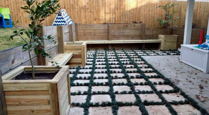 Backyard pavers create an inviting outdoor escape