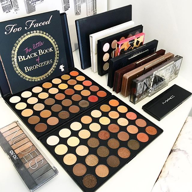 2 things that I'm obsessed with at the moment. . My Morph palettes (350M & 350S) and our VC Palette holders. . Love mixing gorgeous makeup and amazing storage 😍 . Our Palette holder, which holds 8 is only $27 and available now on our website SHOP page. .  Link to our online store on our Insta page or visit www.vanitycollections.com.au . #makeupstorage #makeupholder #makeuptable #makeupjunkie #makeupmirror #beauty #beautyroom #beautystore #beautytable #beautymirror #vanity #vanityroom…