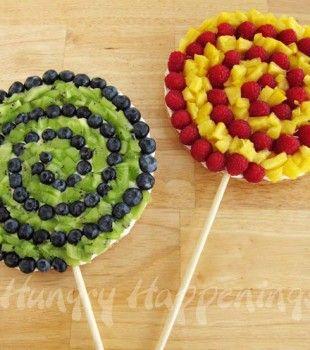 Recetas para niños: Pizzas de fruta en piruletas