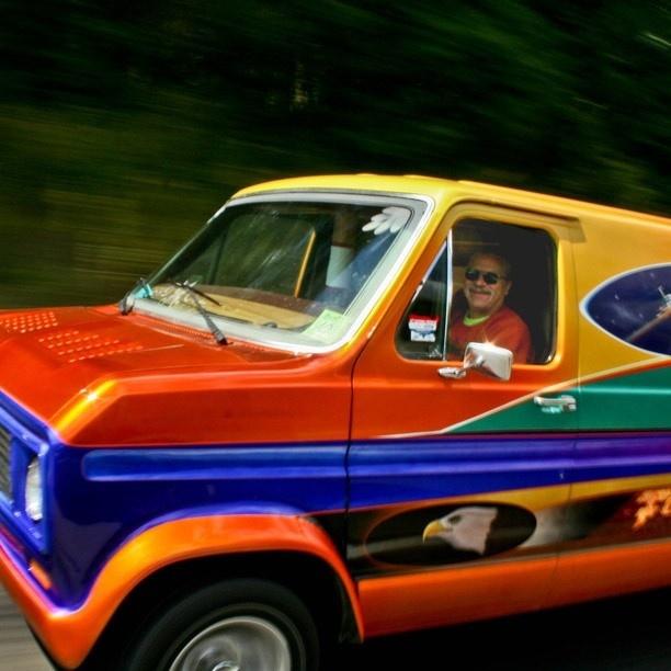 113 best images about bedford jeep vans maaaaaan vaanssss. Black Bedroom Furniture Sets. Home Design Ideas