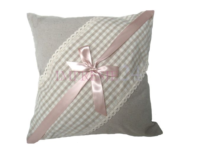 Poduszka z kokardą | Pillow with a bow #poduszka #kokarda #szara #stylowa #salon #sypialnia #dodatki #pillow #bow #grey #stylish #living_room #bedroom #accessories #interior