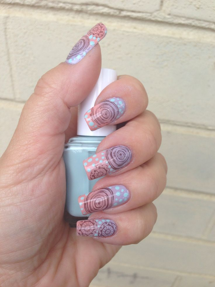 Gradient nails and nail stamping