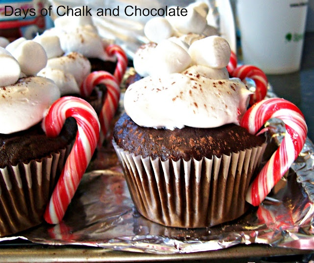 Days of Chalk and Chocolate: Hot Cocoa Cupcakes