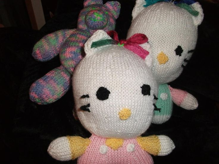 Hello kittys and Teddys - Knitting creation by mobilecrafts | Knit.Community