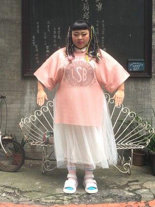 渡辺直美さんの「チュールロングスカート(PUNYUS PUNYUS)」を使ったコーディネート