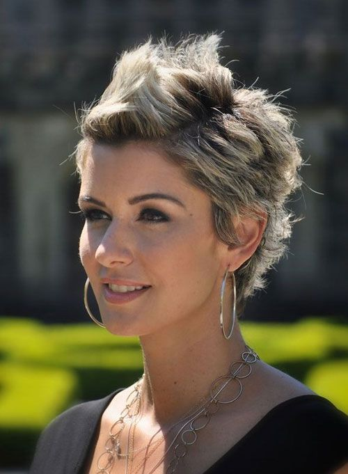 Short spiky hairstyles with two tone color for women