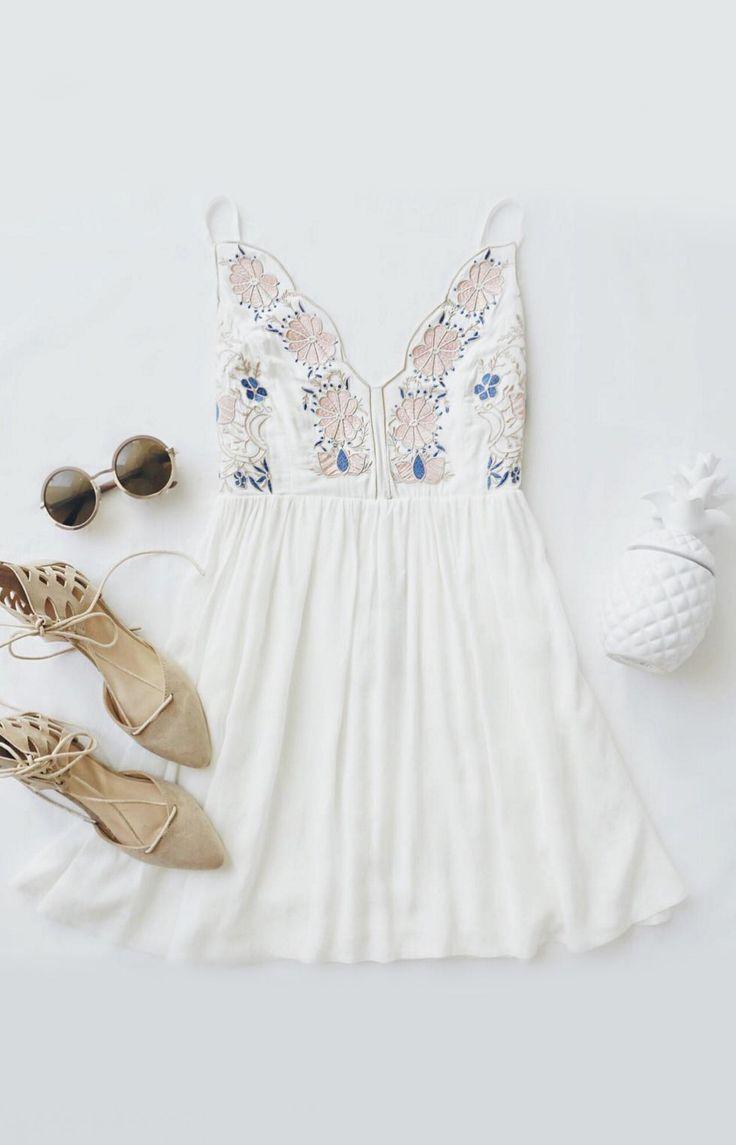 Daisy Petal Pickin' Ivory Embroidered Dress