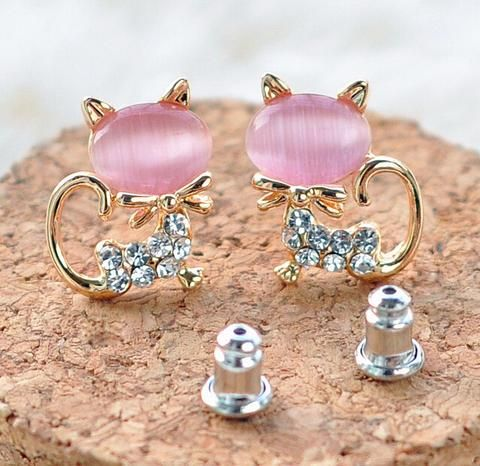 ** FREE giveaway ** We are giving away 1000 pieces of our Best Selling Opal Cat earrings for FREE! Just pay Shipping! Grab Yours HERE ➡️ https://www.xploria-store.com/products/cutekittenopalearrings