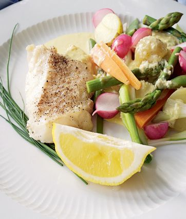 Fisk med vårprimörer & pepparrotsaoili