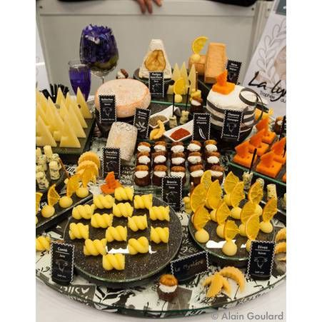 plateau de fromage id es presentation fromages pinterest tables. Black Bedroom Furniture Sets. Home Design Ideas