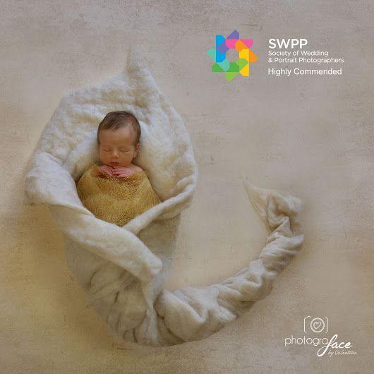 Beautiful newborn baby girl. Flower idea. Image: Valentina Rebeschini. Website: www.photograface.com  #bumptobaby #londonnewbornphotography #londonnewbornphotographer #londonphotography #londonphotographer #newbornphotographerbattersea #newbornphotographerclapham #newborn #newborns #bellyphoto #bellyphotos #newbornphoto #newbornphotography #newbornphotographer #newborns #baby #babies #photografacebyvalentina  #babyphotos #cutebaby