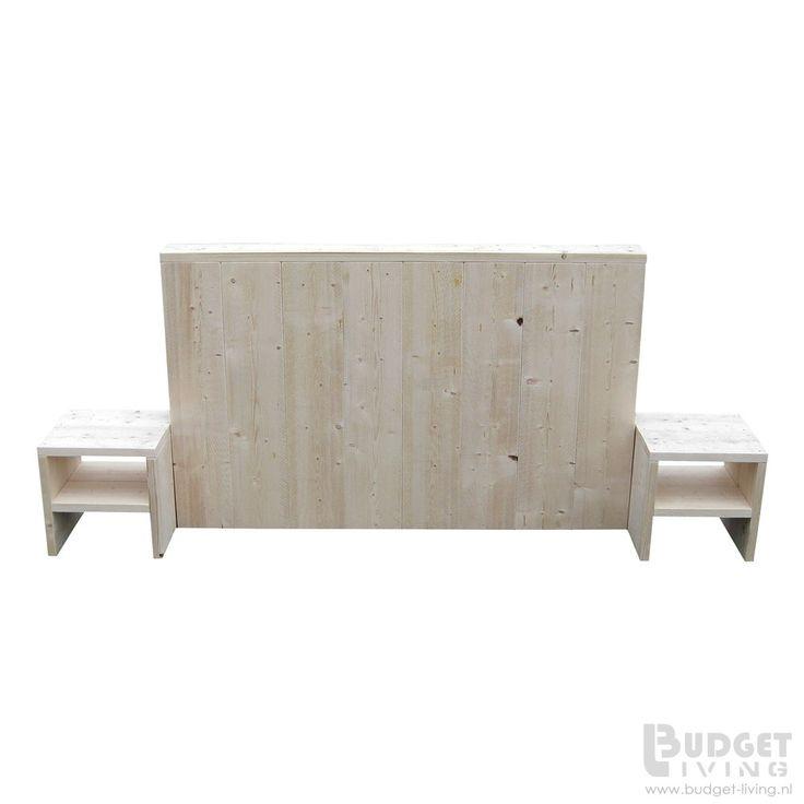 Steigerhouten hoofdbord 'Box' voor uw boxspring bed. U kunt hier uw boxspring matrassen mooi tegen aanzetten. Het hoofdbord heeft een afmeting van 185x90x15cm (bxhxd). De achterzijde is voorzien van een dichte achterkant ( spaanplaat) Het hoofdbord op de foto is gemaakt van nieuw steigerhout en kost
