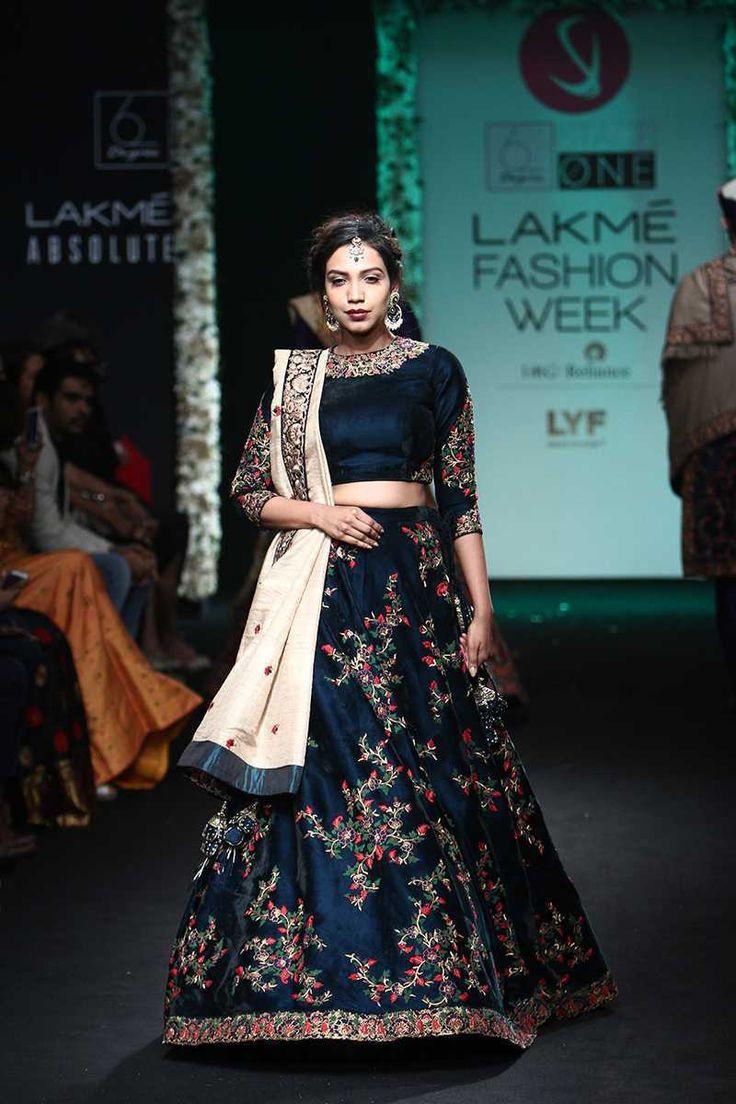 Saroj Jalan   Lakmé Fashion Week winter/festive 2016 #SarojJalan #LFWWF2016 #PM