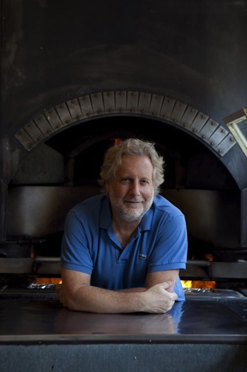 Dietro l'uomo barbuto (Behind the bearded man): An interview with Chef Jonathan Waxman via thefoodiejournal.com.