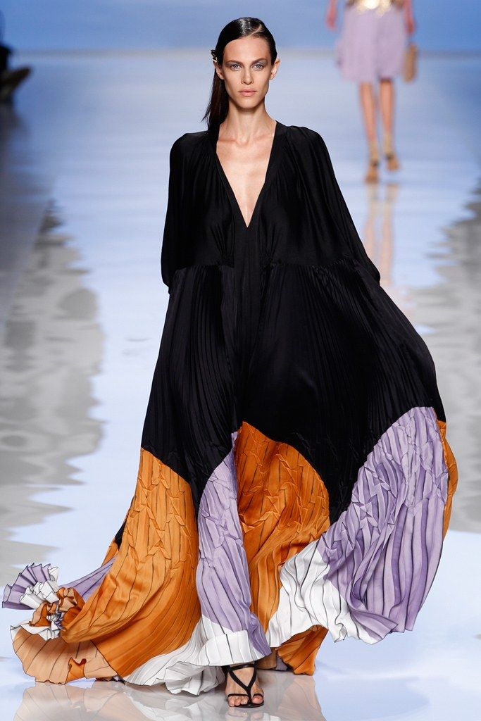 Caftan from Etro Spring 2012 Ready-to-Wear Collection    #fashion #style #color #black