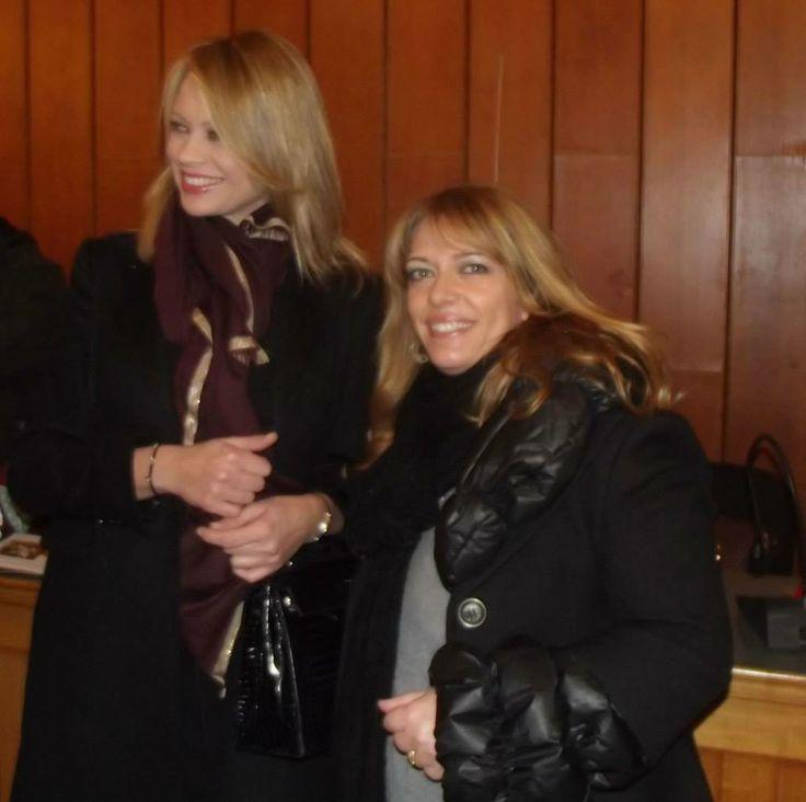 Anna Falchi indossa i fashion bracialet di Fisoro, in vendita presso la Galleria