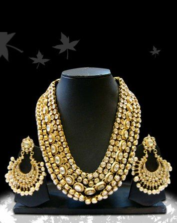 Splendid Rani Haar in gold and uncut diamonds. Statement bridal necklace and earrings.