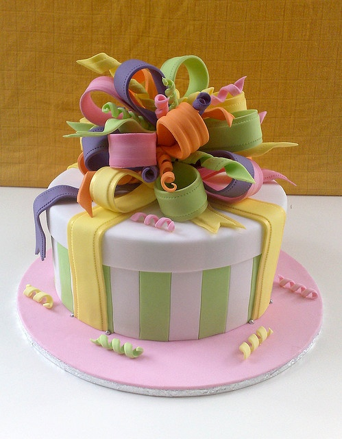 Might have to teach this at the next Hearts and Arts :)  Lisa's present cake
