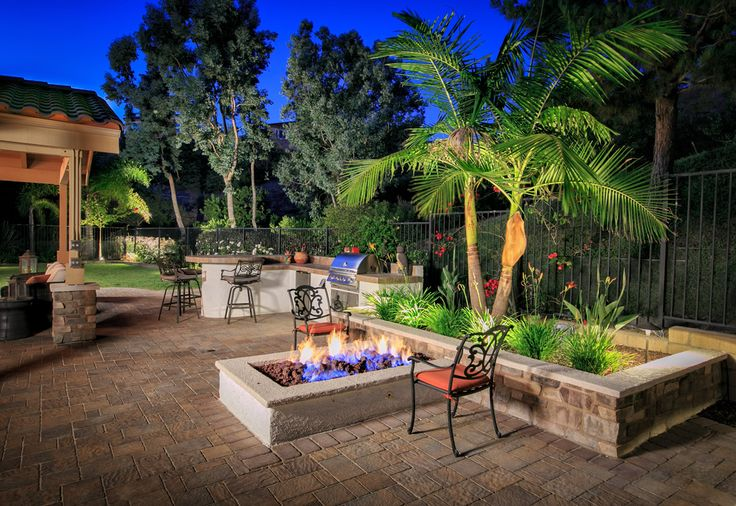 San Diego Outdoor Living Spaces: 8 Best Featured Outdoor Living Spaces: Western Outdoor