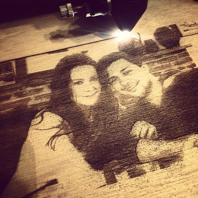 """""""Fotogravura de Valentines ... #la_atelier13 #atelier13 #lasercut #laser #lemn #laser_engrave"""""""