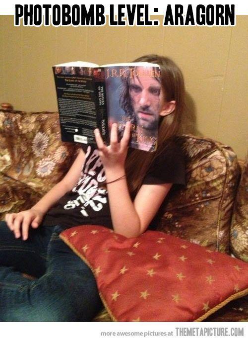 Aragorn photobomb