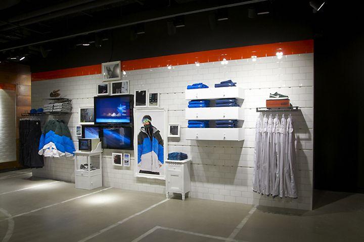 Nike iD London Studio 20 | Expo ii | Pinterest | Studio, Retail store  design and Store design
