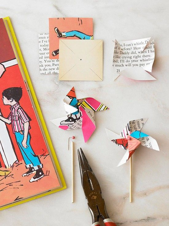 Pinwheels make from vintage children's books.Party Favors, Vintage Book, Cupcakes Toppers, Pinwheels, Parties Favors, Book Pages, Children Books, Old Books, Cake Toppers