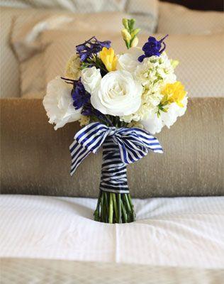морская свадьба, букет невесты, полосатая лента