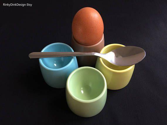 Easter / 4x Gaydon Melmex melaware melamine egg cups / 1960s