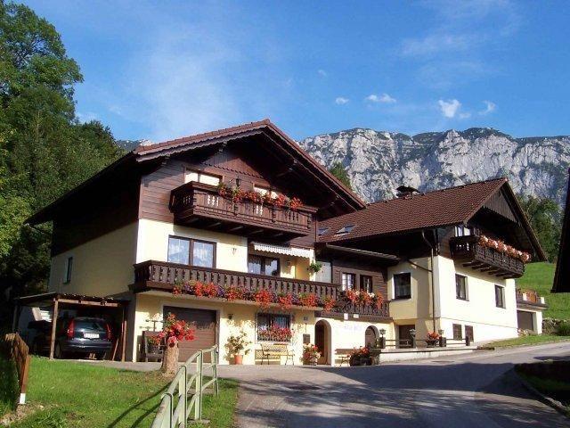 Booking.com: Ferienwohnungen Haus Helga am Attersee , Steinbach am Attersee, Ausztria - 26 Vendégértékelések . Foglalja le szállását most!